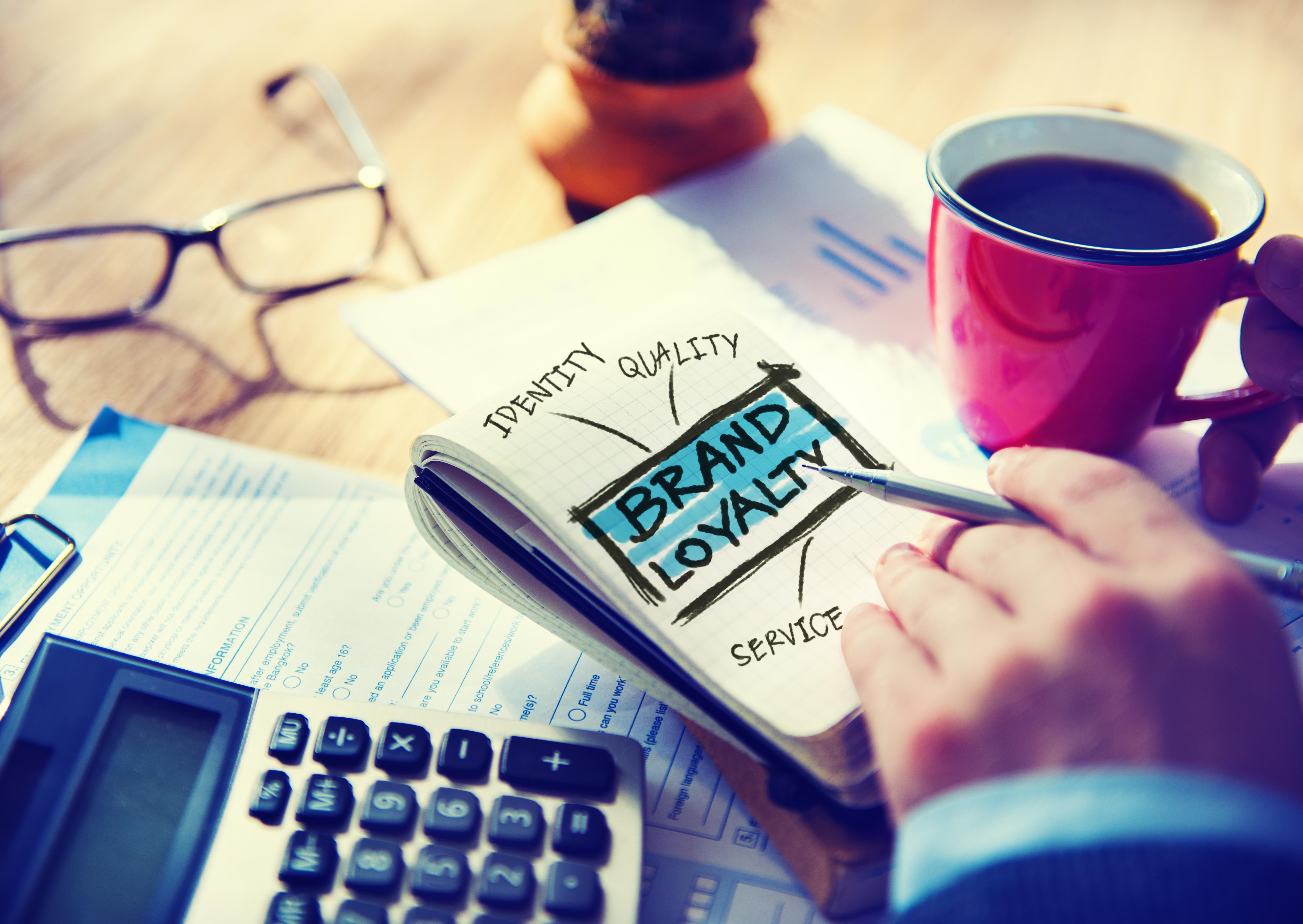 usare il loyalty marketing per ricompensare i clienti fedeli e ad incoraggiarli a restare con il Brand