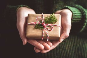 elemento a sorpresa per la christmas content marketing strategy